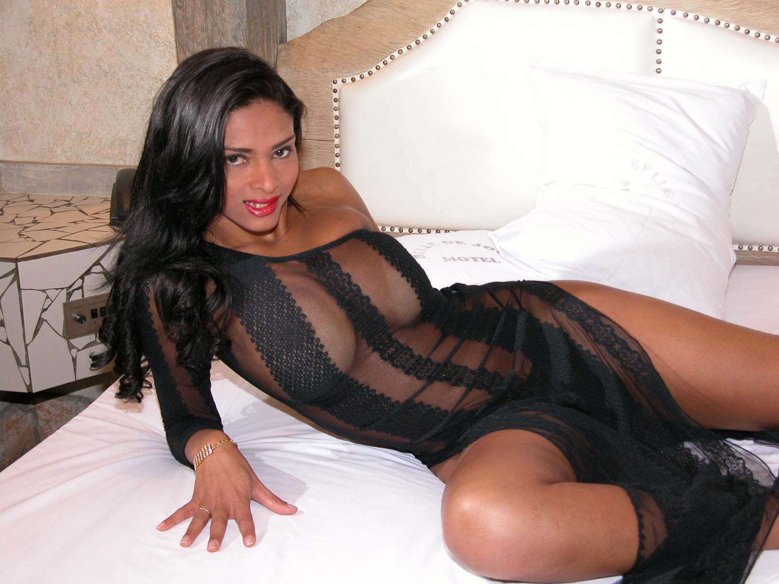 Транс с огромной грудью порно фото 20 фотография